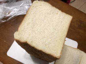 乃が美の食パンの断面